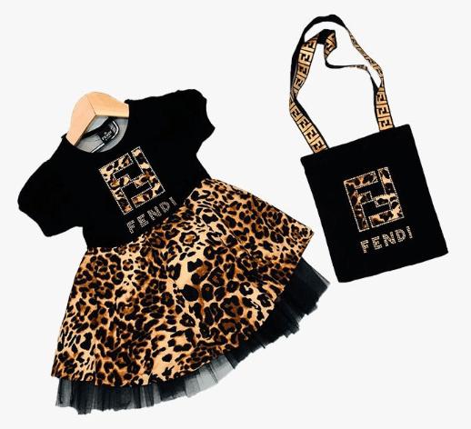 Leopar desenli kız bebek elbiseleri acaip sevimli şeyler :)